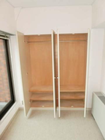 洋室収納2