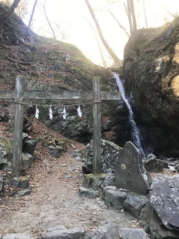 m綾広の滝1